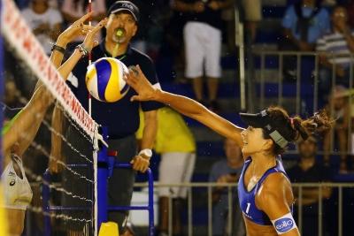 Ágatha/Duda e Maria Clara/Carol levam o Brasil às quartas em Itapema