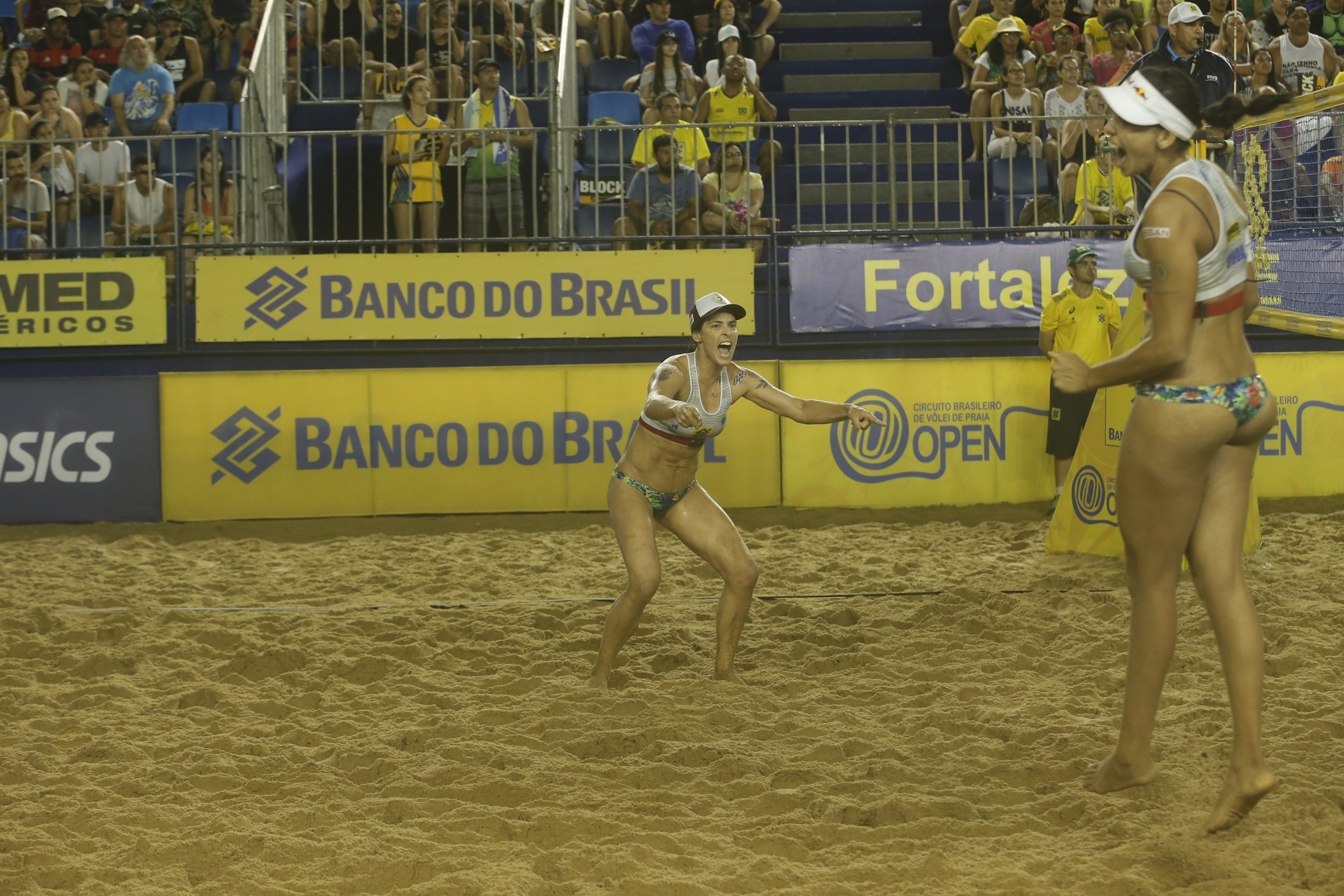 Ágatha/Duda e Maria Elisa/Carol Solberg decidem etapa de Fortaleza (CE)