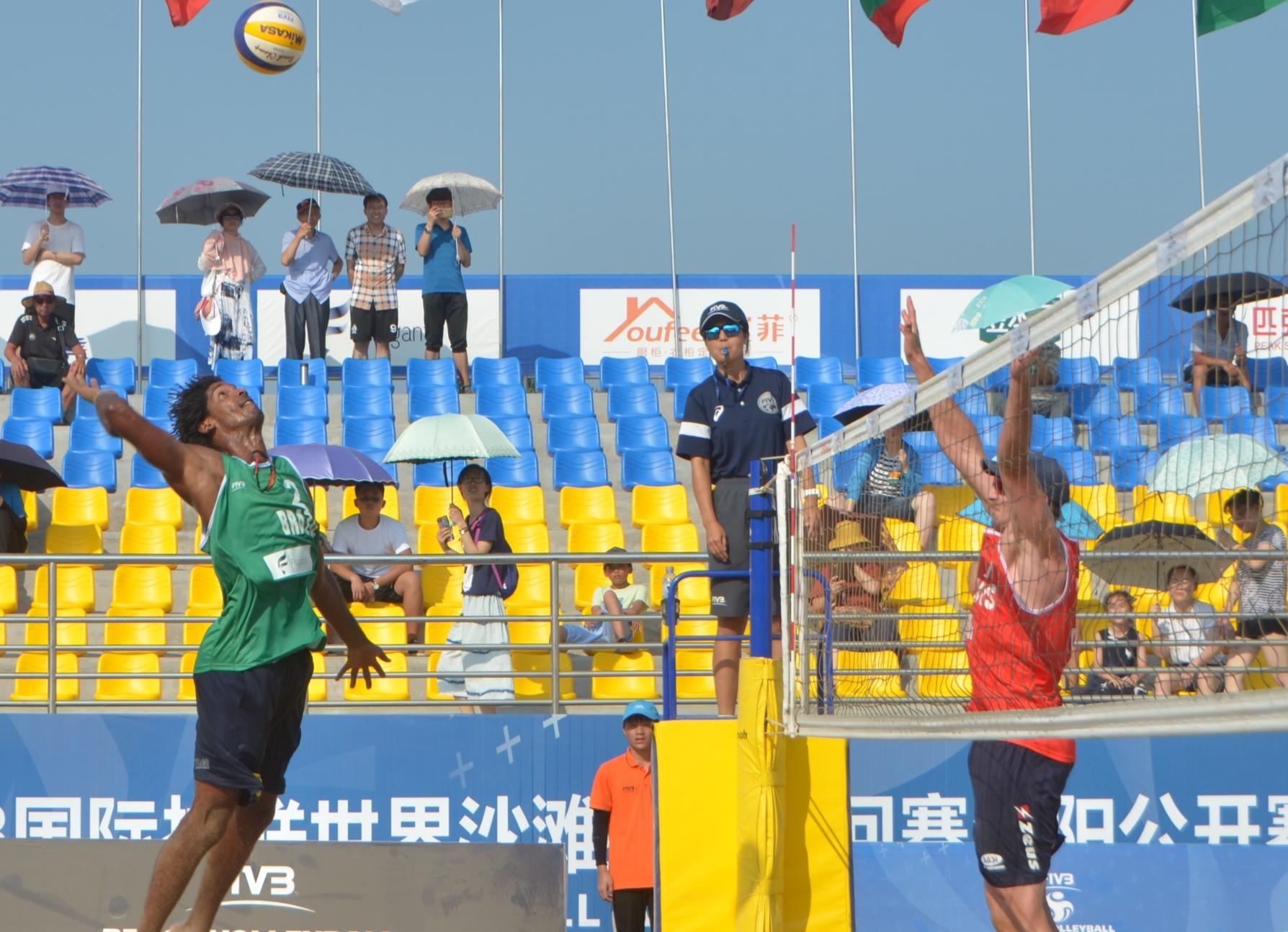 Álvaro/Luciano e Thiago/George duelam na semifinal e garantem Brasil no pódio