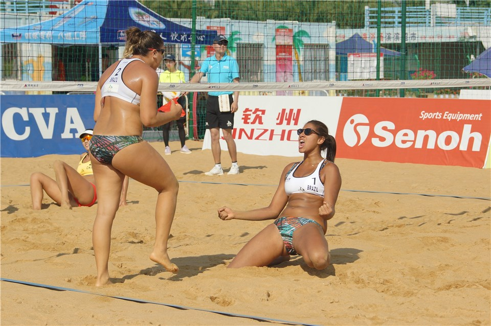 Ana Patrícia/Rebecca chega à semifinal em Qinzhou