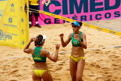 Bárbara Seixas/Fernanda Berti e Maria Elisa/Carol decidem etapa de Vila Velha
