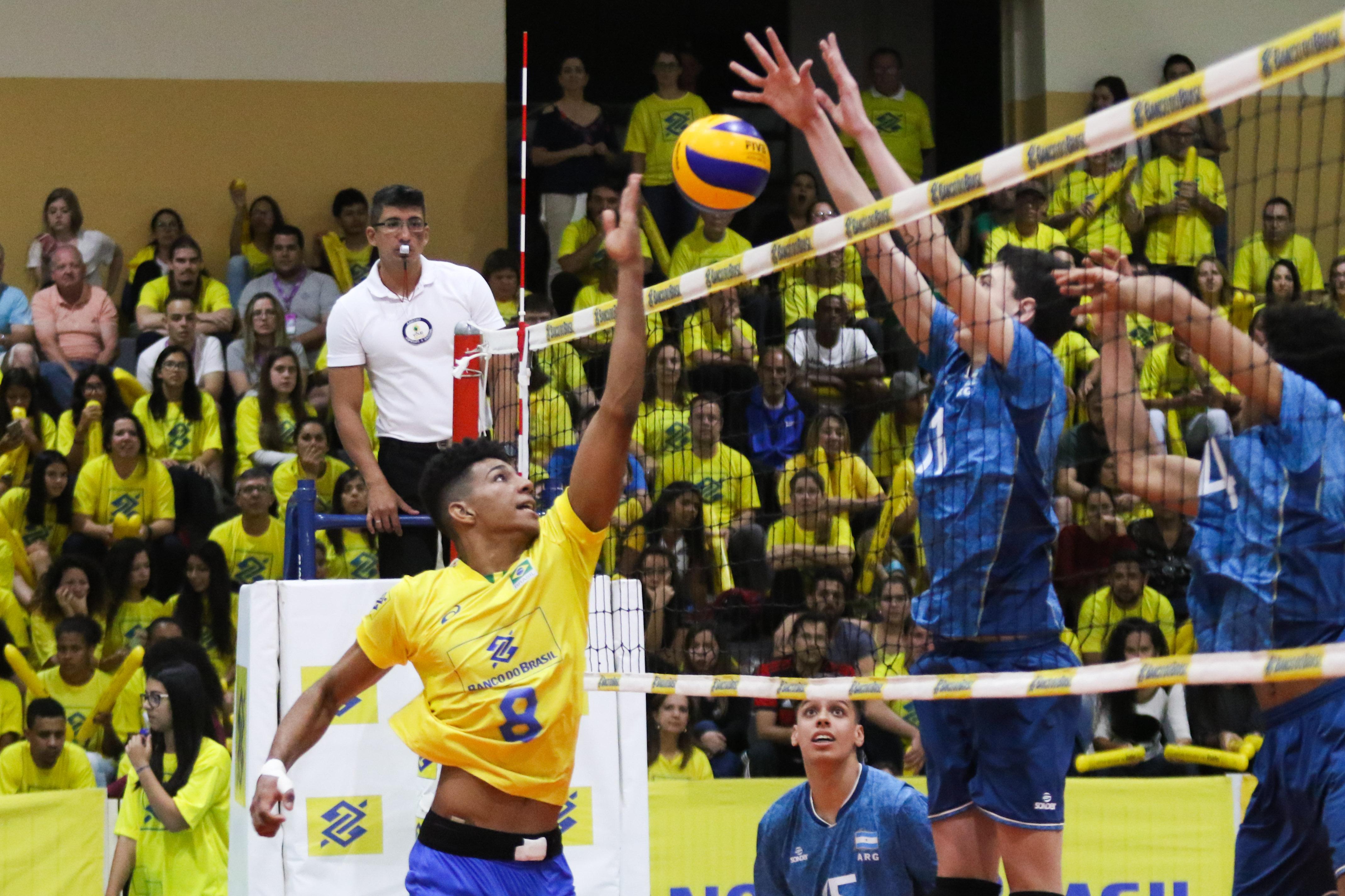 Brasil e Argentina encerram série amistosa nesta terça-feira