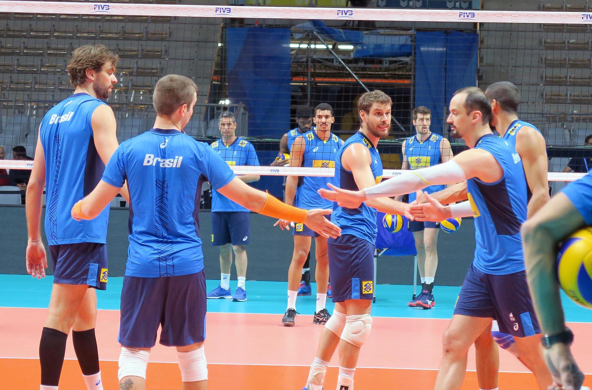 Brasil enfrenta a Rússia na primeira partida da Fase Final