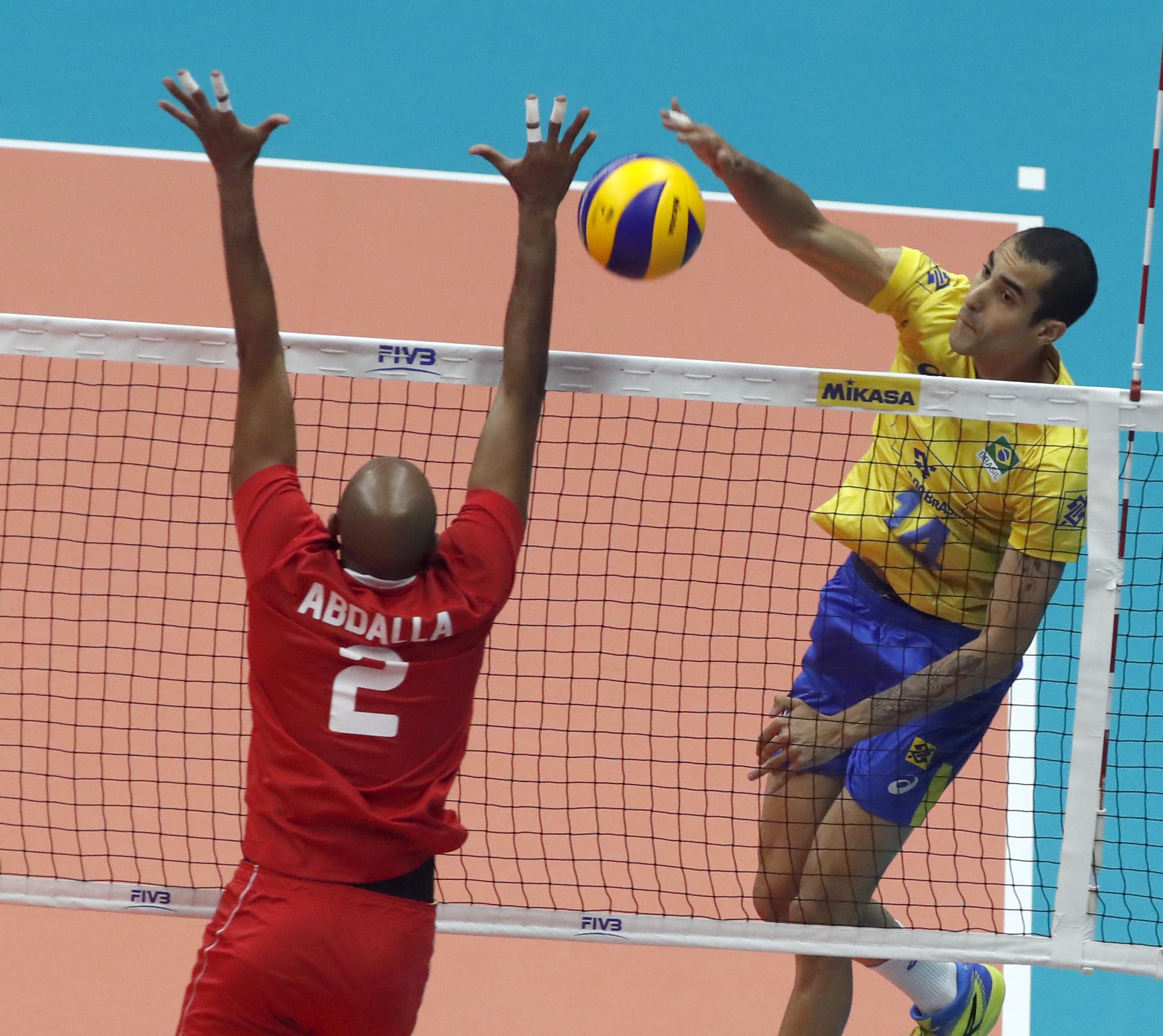 Brasil estreia com vitória