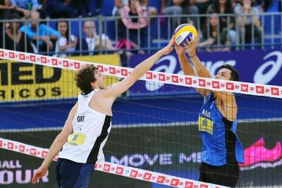 Brasil garante duas duplas masculinas direto nas oitavas