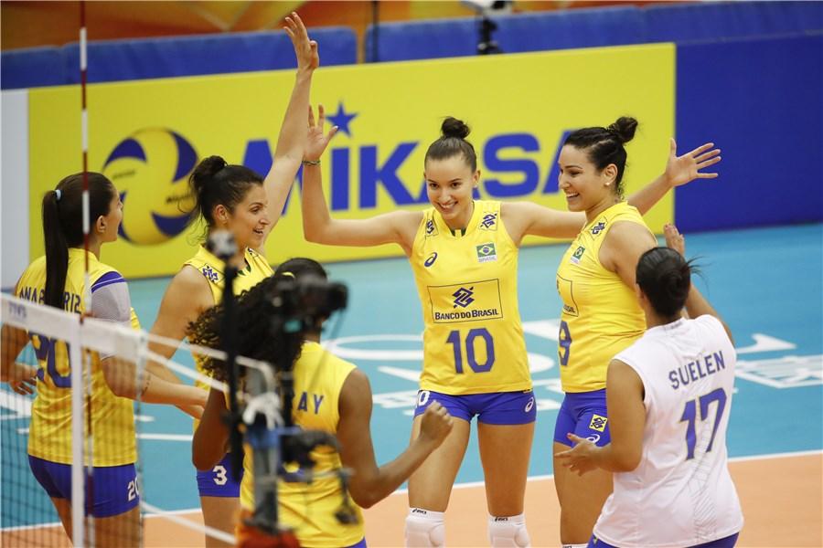 Brasil supera Cazaquistão no encerramento da primeira fase