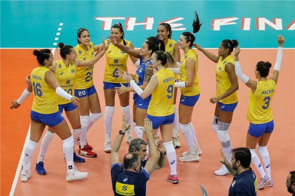 Brasil vence China e enfrenta Turquia na semifinal