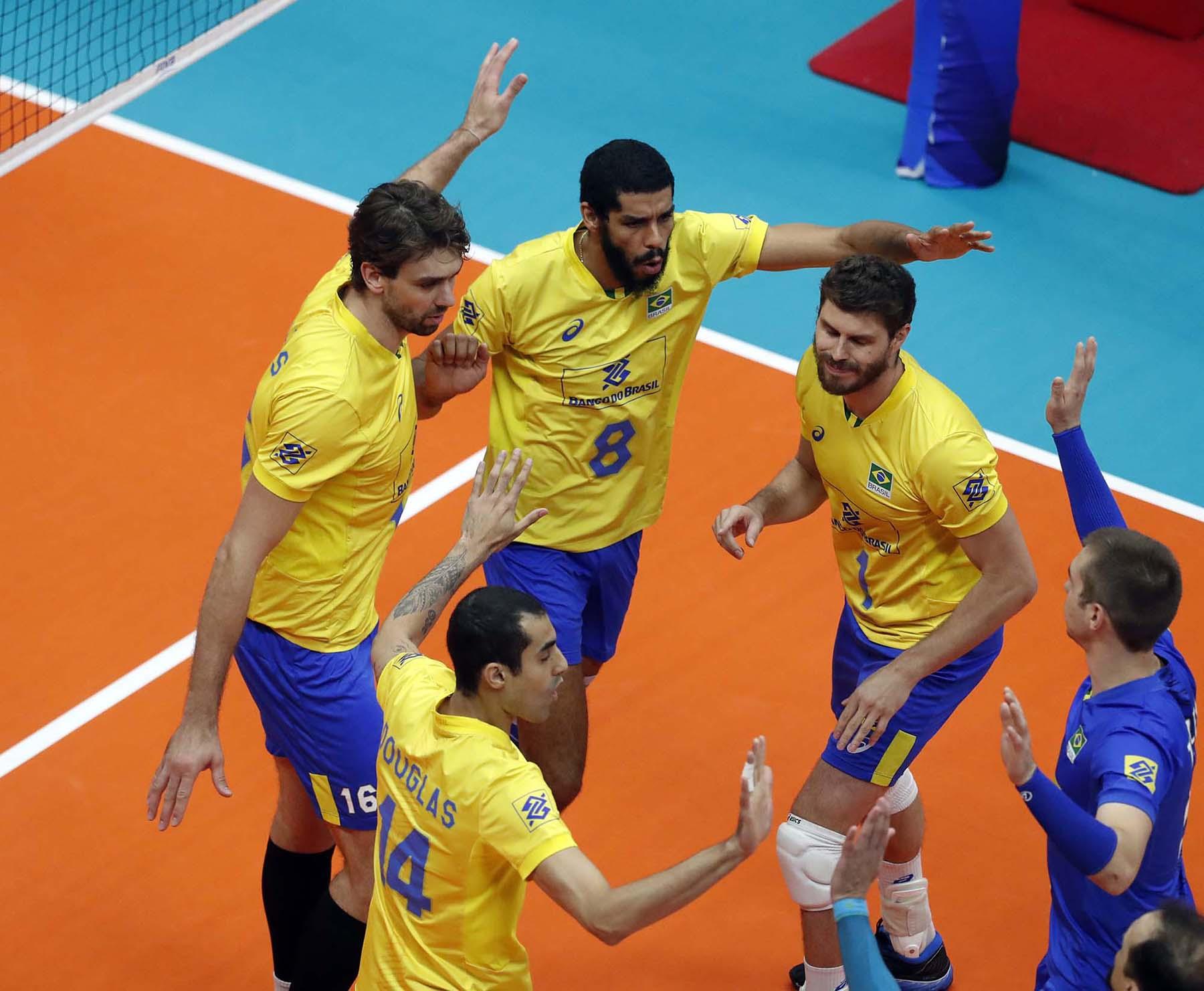 Brasil vence o Canadá e acumula mais três pontos
