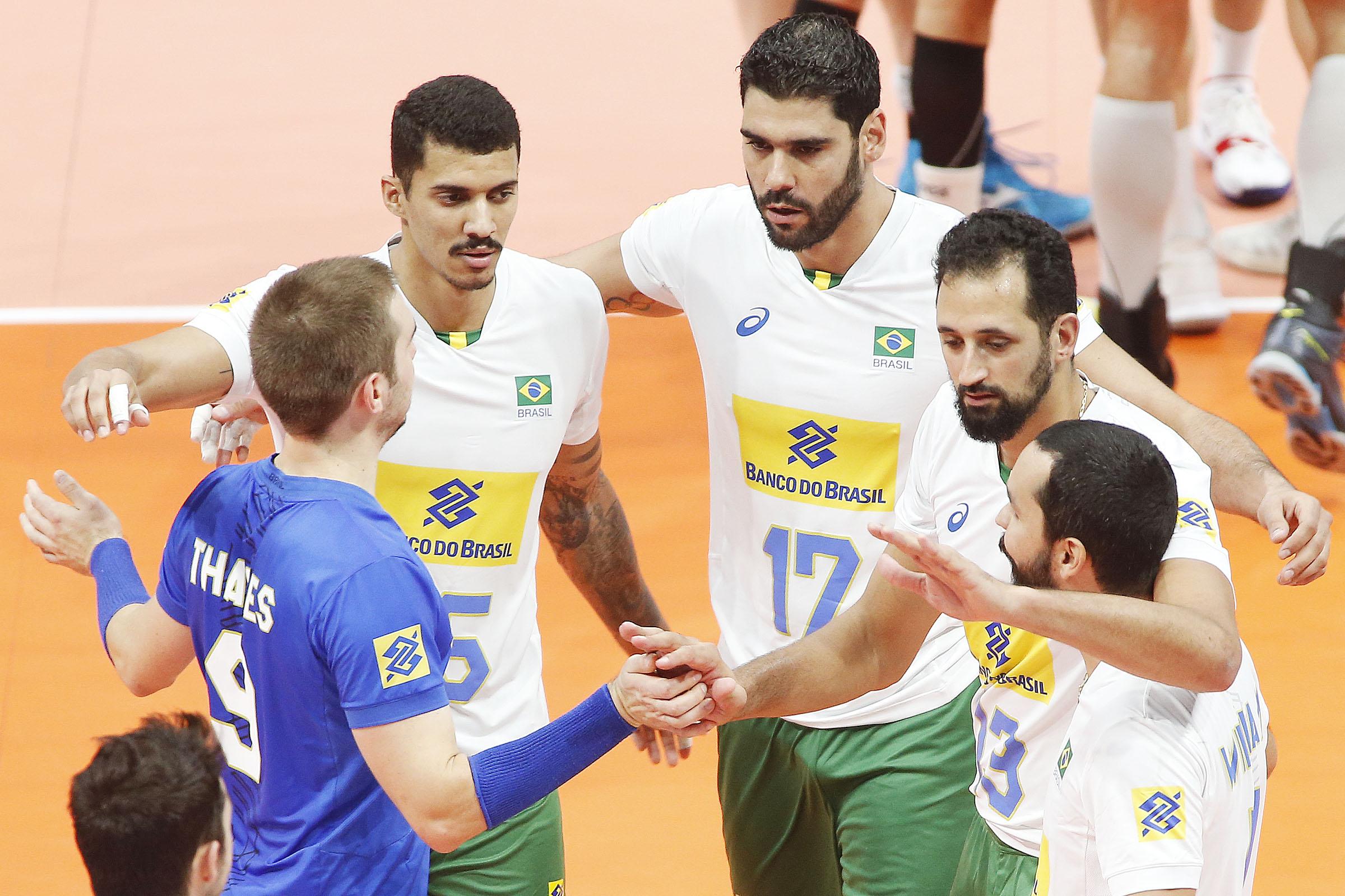 Brasil vira o jogo contra a Bélgica e encerra segunda fase com vitória