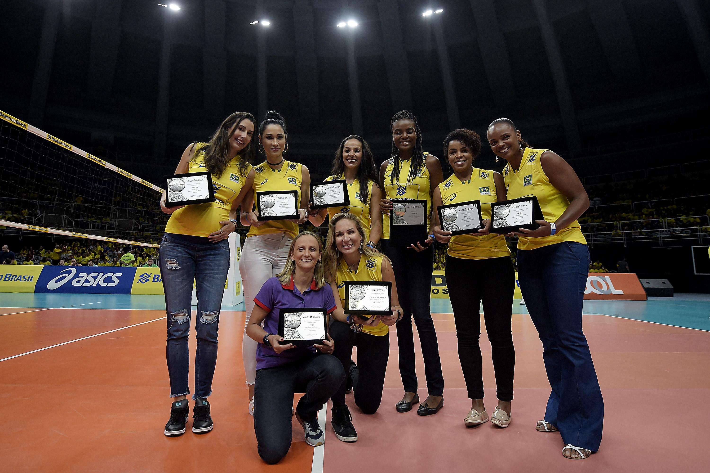 CBV homenageia campeãs de Pequim 2008 no templo do voleibol