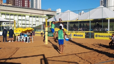 Classificatório define últimas vagas e medalhista olímpico avança em Maringá