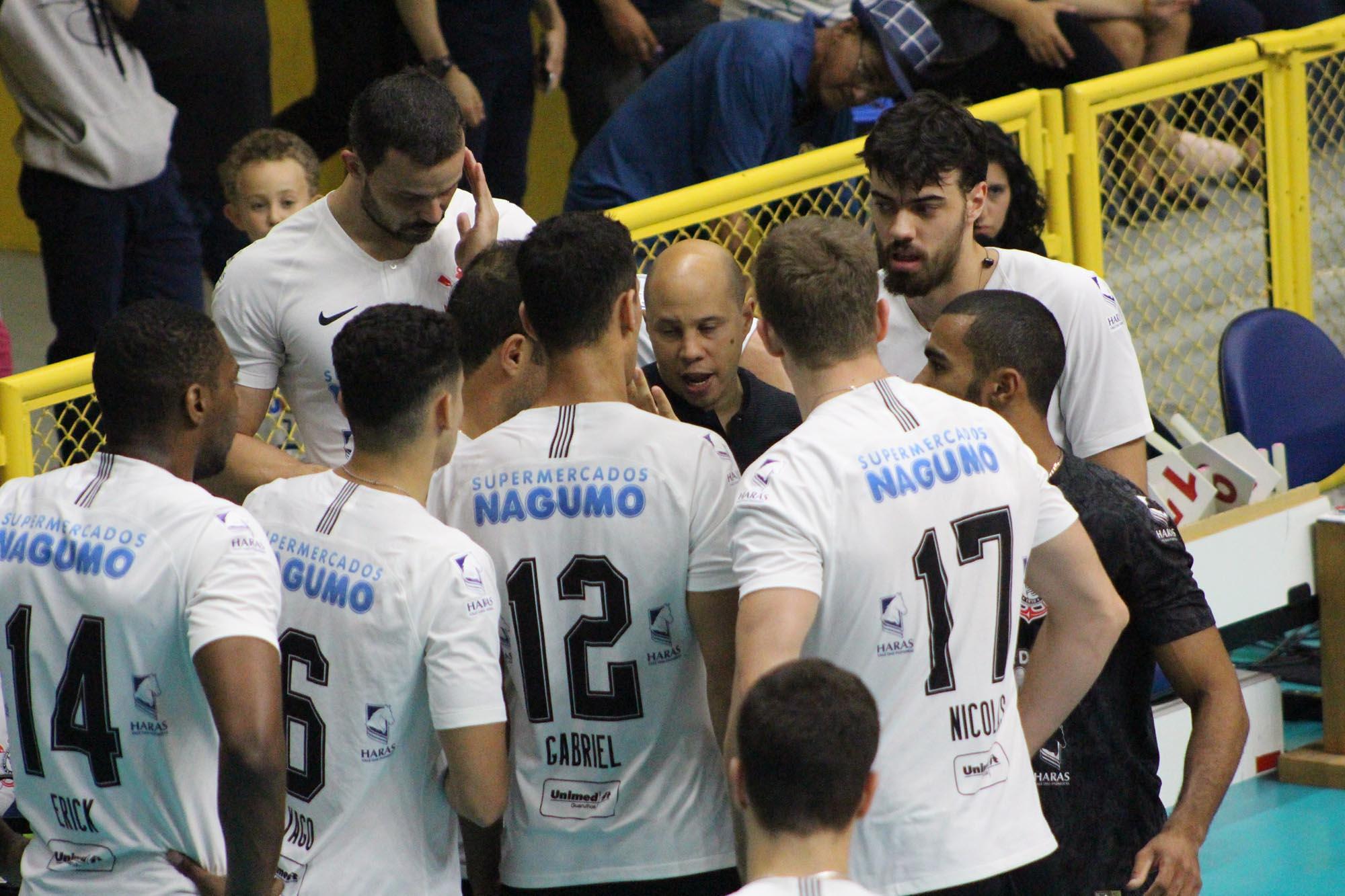 Corinthians-Guarulhos recebe Sesc RJ pela terceira rodada, com transmissão