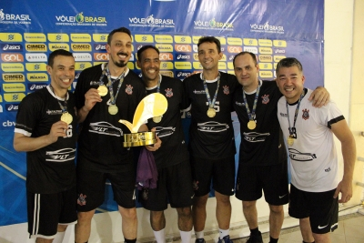 Corinthians vira e fica com o ouro na 45+ masculina