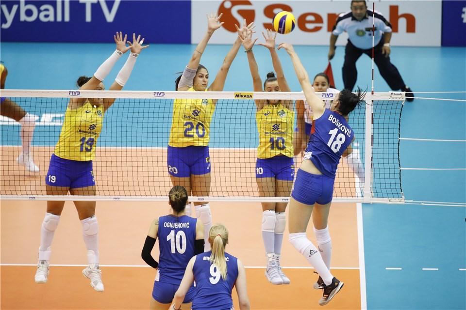 Depois de duas vitórias, Brasil é superado pela Sérvia