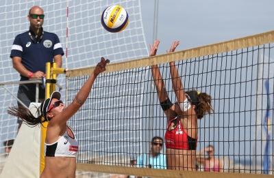 Duplas brasileiras estreiam com saldo positivo no torneio feminino em Portugal