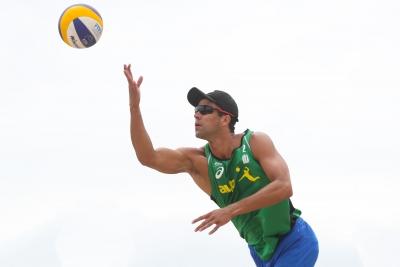 Duplas do Brasil vencem no classificatório e vão à fase de grupos