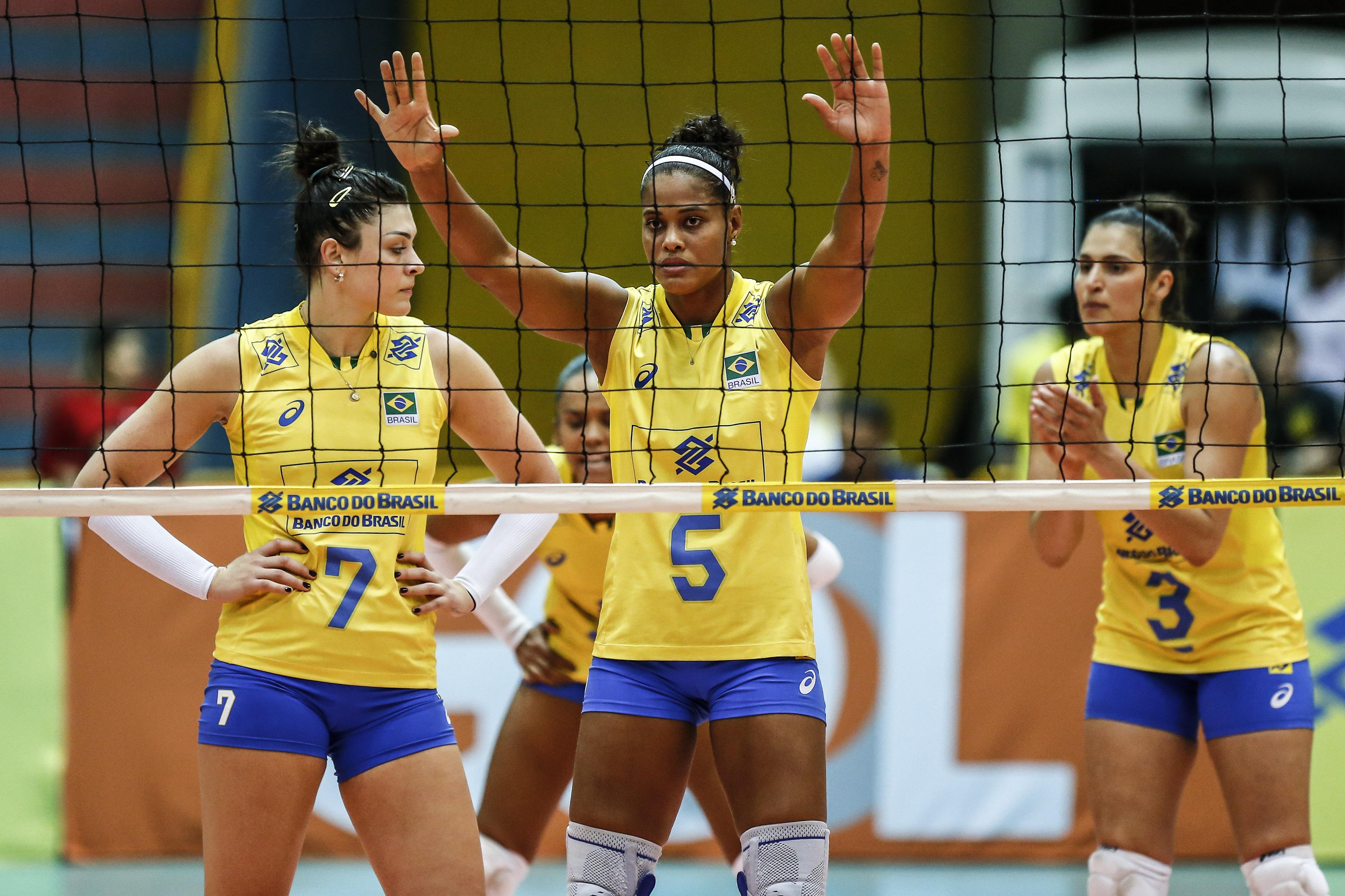 Em Uberaba, Brasil faz terceiro amistoso contra os Estados Unidos