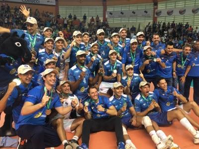 Empurrado pela torcida, Vôlei Ribeirão Preto leva o título da temporada 2018