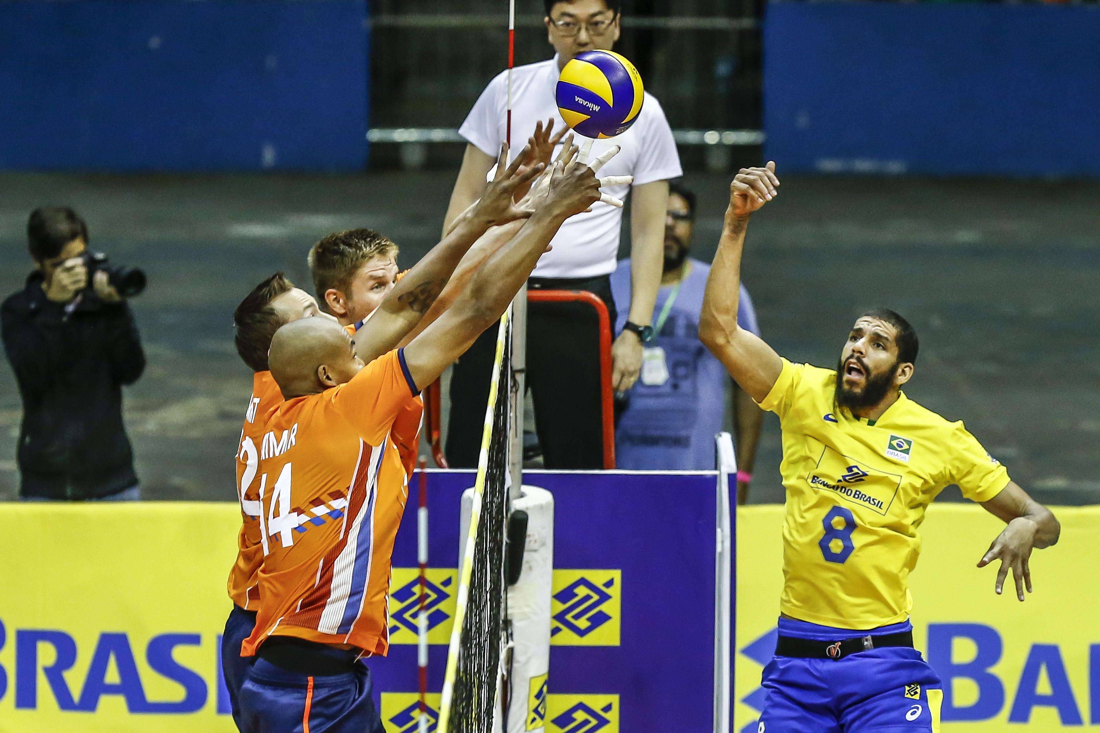 Equipe brasileira encara a Holanda em Manaus
