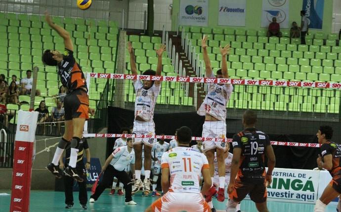 Equipes da Superliga jogam clássico que será transmitido pela Paraná Educativa