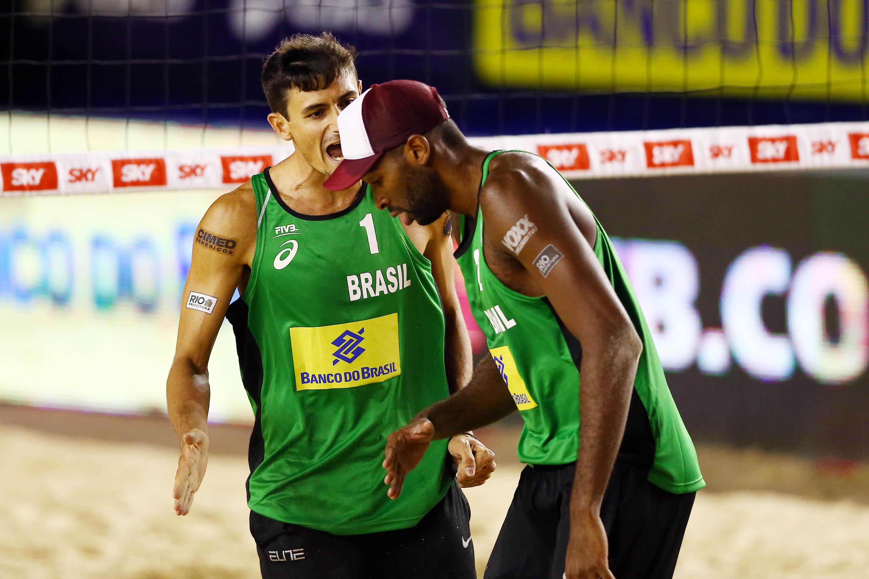 Evandro e André disputam o ouro contra noruegueses na etapa brasileira