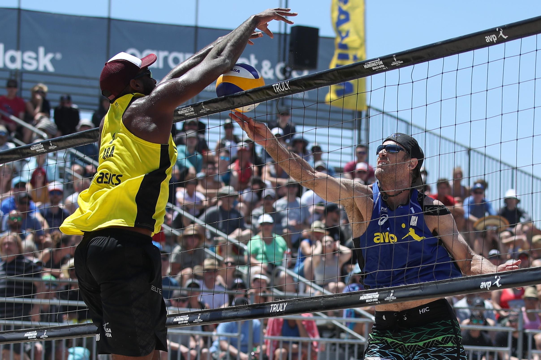 Evandro e André vão à semifinal e encaram espanhóis em Huntington Beach
