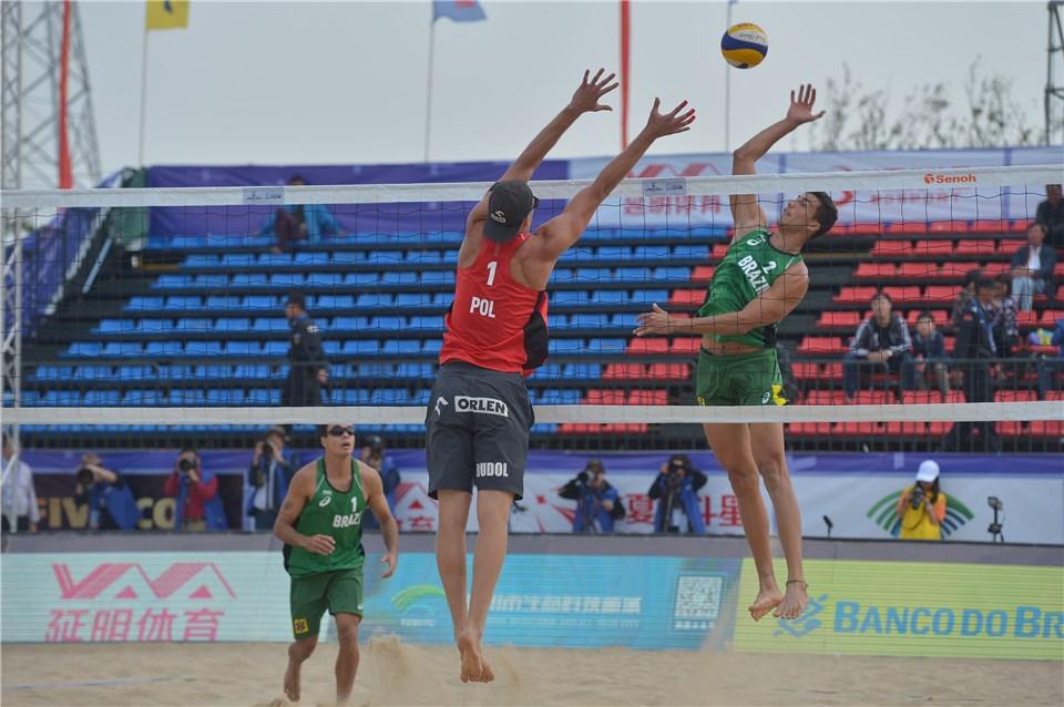Guto/Saymon briga pelo bronze na China