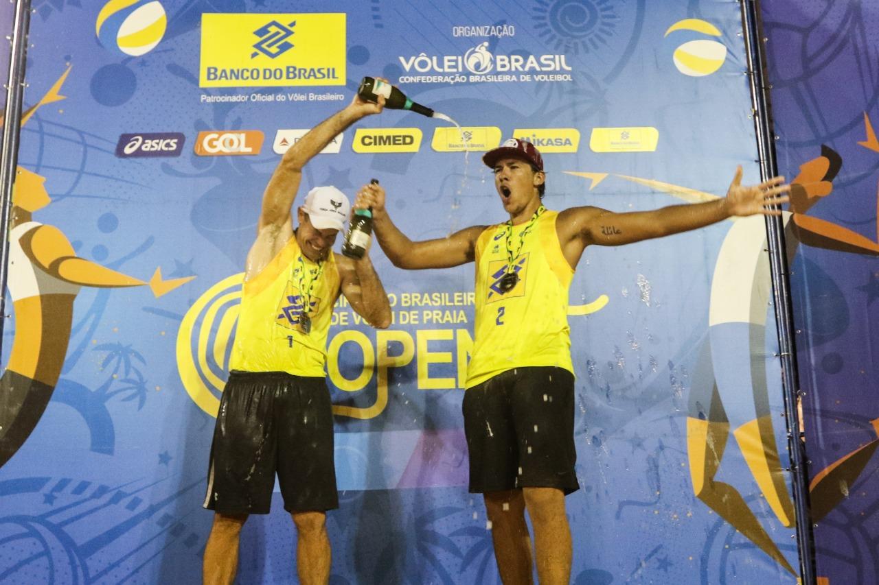 Hevaldo/Arthur supera campeão olímpico e vence em Palmas sem perder nenhum set