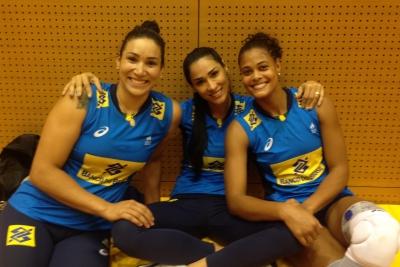 Jaqueline chega ao Japão e integra grupo brasileiro para Fase Final