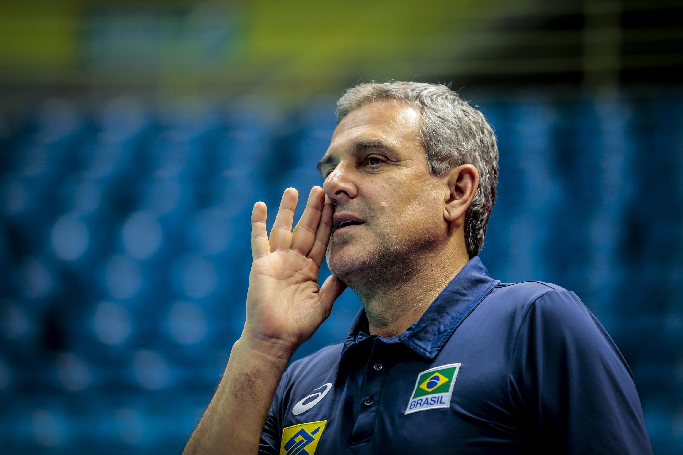 José Roberto Guimarães faz primeira convocação para o Campeonato Mundial