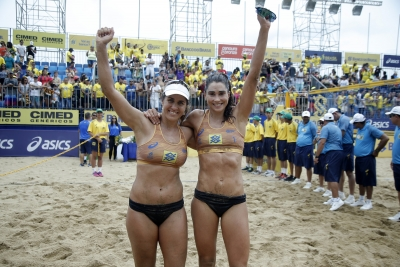 Maria Elisa e Carol Solberg vencem em Fortaleza e ampliam vantagem no ranking