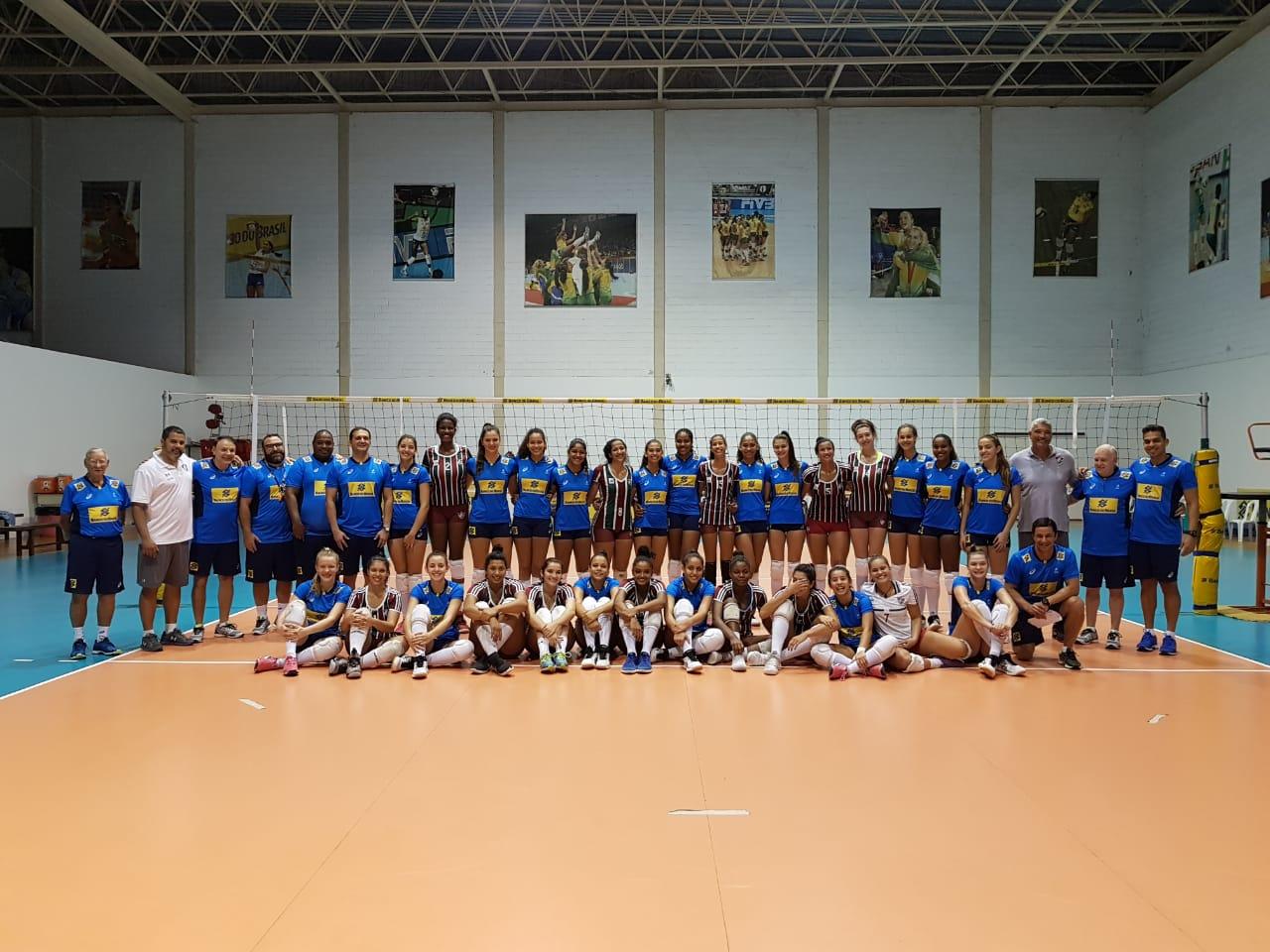 Meninas do sub-18 do Brasil se preparam para primeiros desafios internacionais