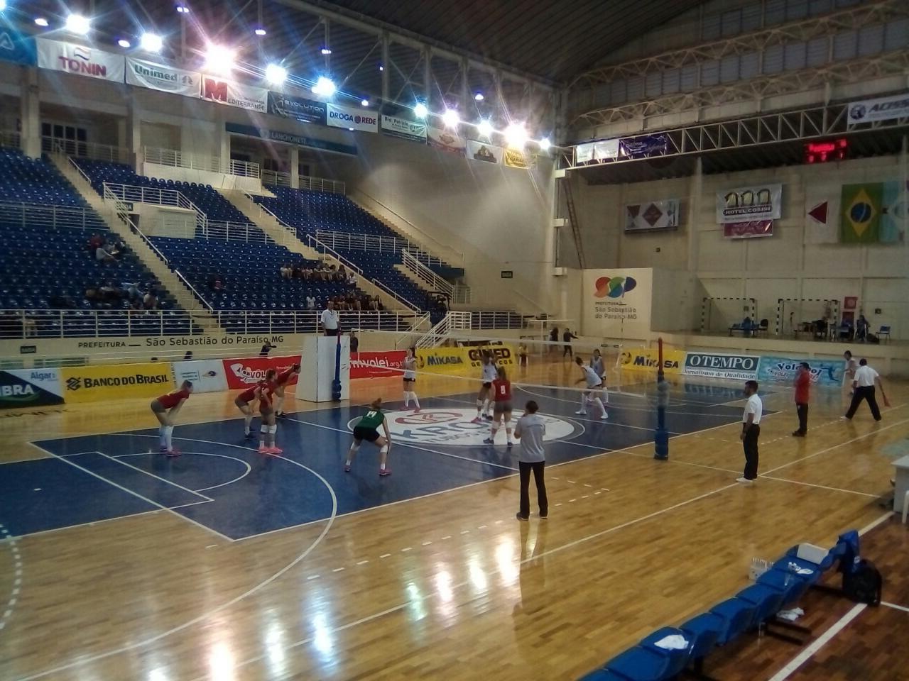 Minas Gerais e Santa Catarina decidem o título neste domingo