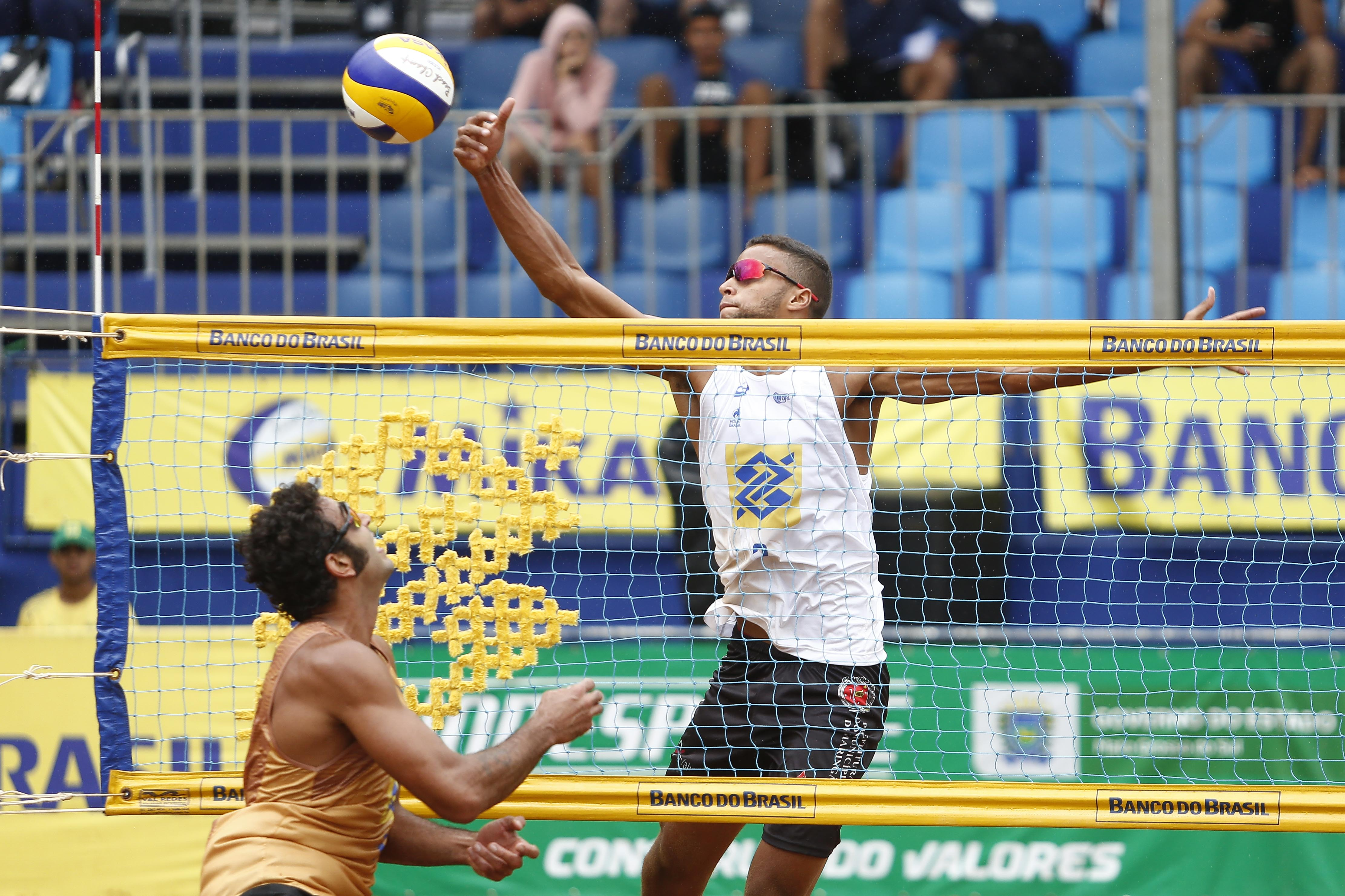 Oitavas de final são definidas em Campo Grande com atletas da casa