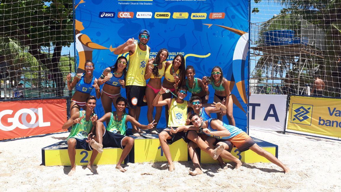 Paraíba, no masculino, e Paraná, no feminino, vencem a etapa de abertura