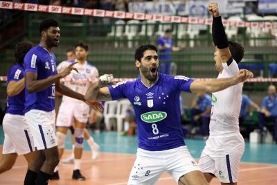 Sada Cruzeiro vence e se mantém vivo na semifinal