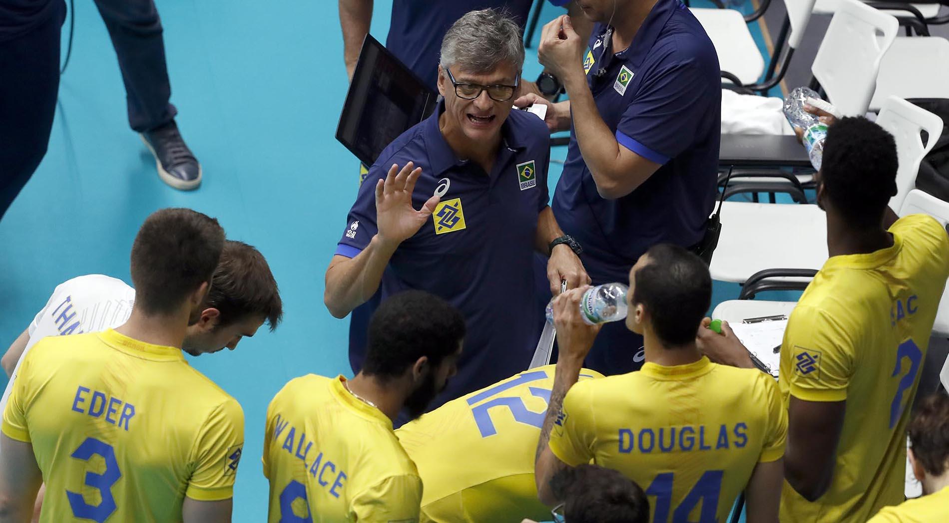Seleção brasileira encara a Holanda pela terceira rodada