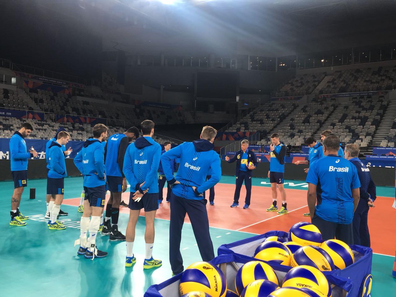 Seleção brasileira realiza primeiros treinos na Austrália