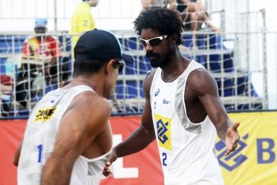 Semifinais são definidas em Fortaleza com dupla estreante e campeões olímpicos