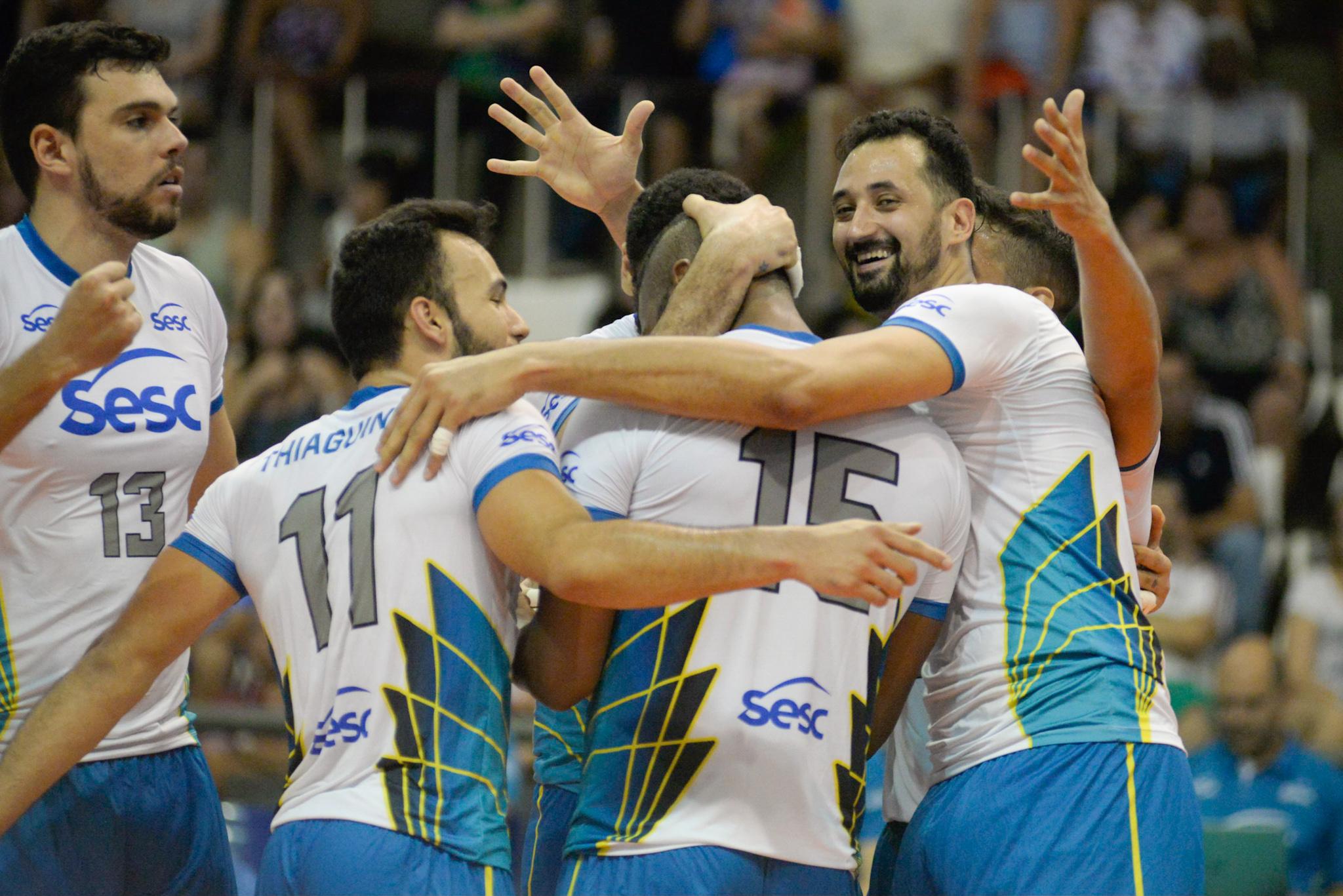 Sesc RJ recebe Sada Cruzeiro para duelo de líderes