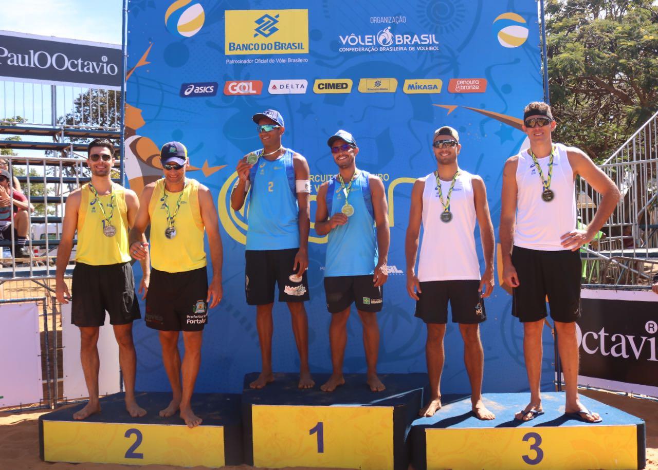 Tainá/Victoria e Jô/Léo Vieira conquistam o título da etapa de Brasília (DF)