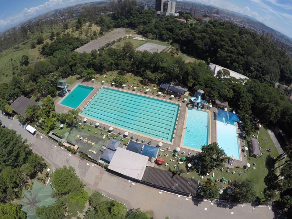 Torneio de vôlei de praia acontece nesta semana, em Volta Redonda (RJ)