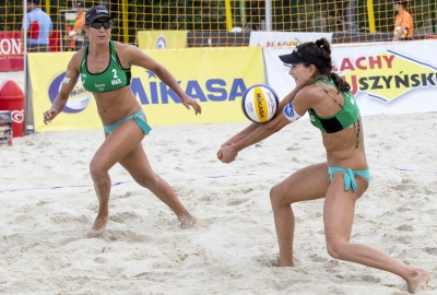 Três duplas brasileiras vão às oitavas de final no torneio feminino em Varsóvia