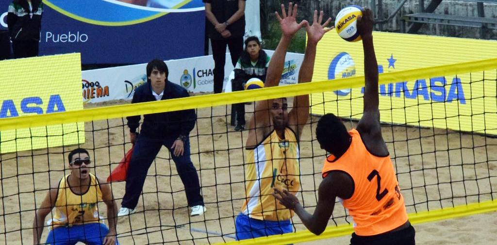 Vitor Felipe e Guto avançam invictos à semifinal e encaram