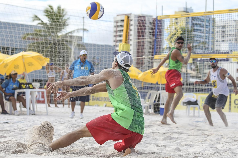 Vitor Felipe e Guto representam o Brasil em etapa Finals na Argentina