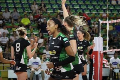 Vôlei Bauru vence Renata Valinhos/Country e se classifica para o playoff