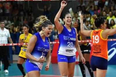 Vôlei Nestlé e Dentil/Praia Clube disputam quarto jogo do playoff nesta segunda-feira