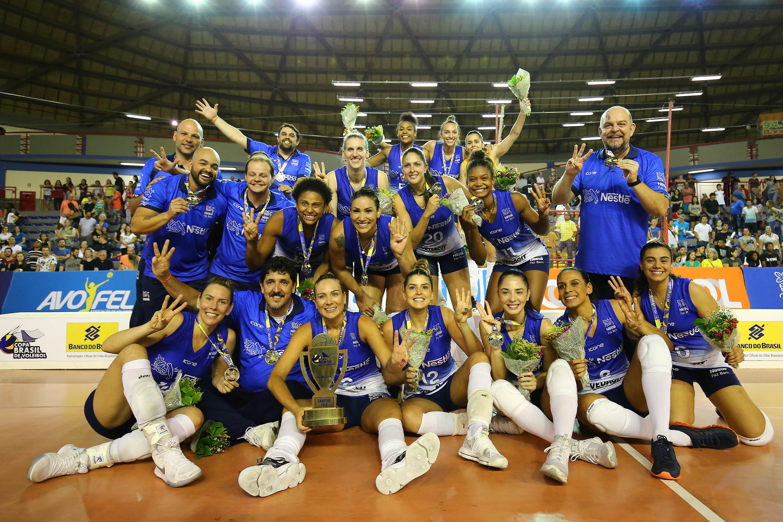 Vôlei Nestlé vence Dentil/Praia Clube conquista Copa Brasil