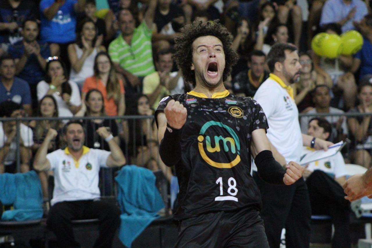 Vôlei UM Itapetininga encerra a série contra o Botafogo e avança à final